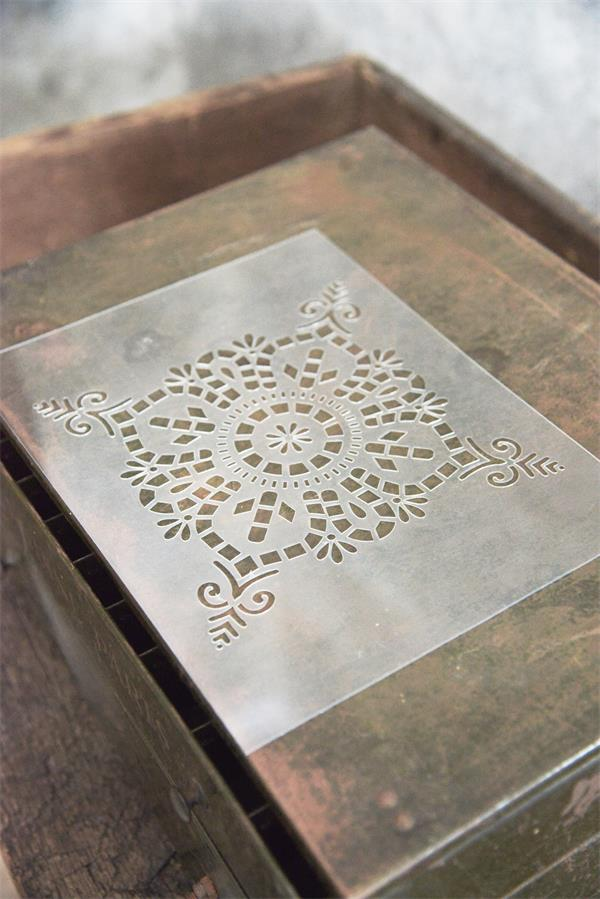 Stencil Vintage Square Motif